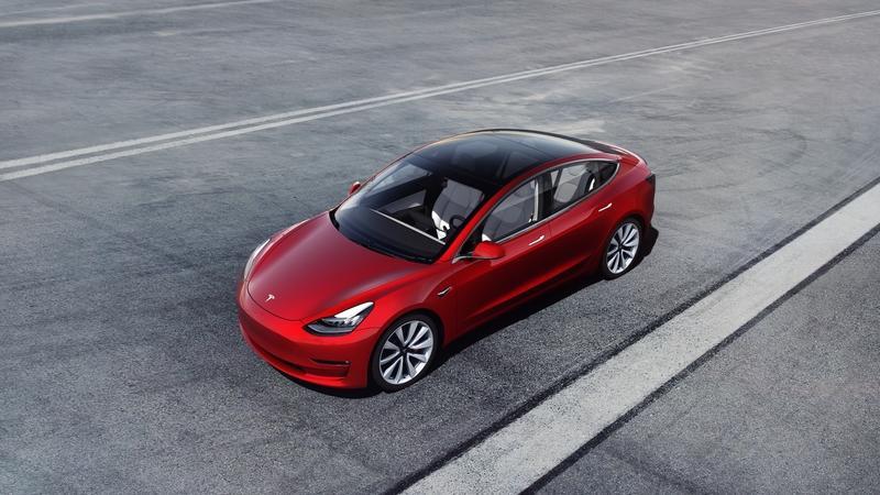 テスラの新型車「モデルY」0-100km/hの加速時間はたったの3.5秒!