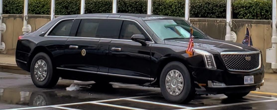 トランプ大統領の専用車両「ビースト」の装備がスゴイ過ぎる件!