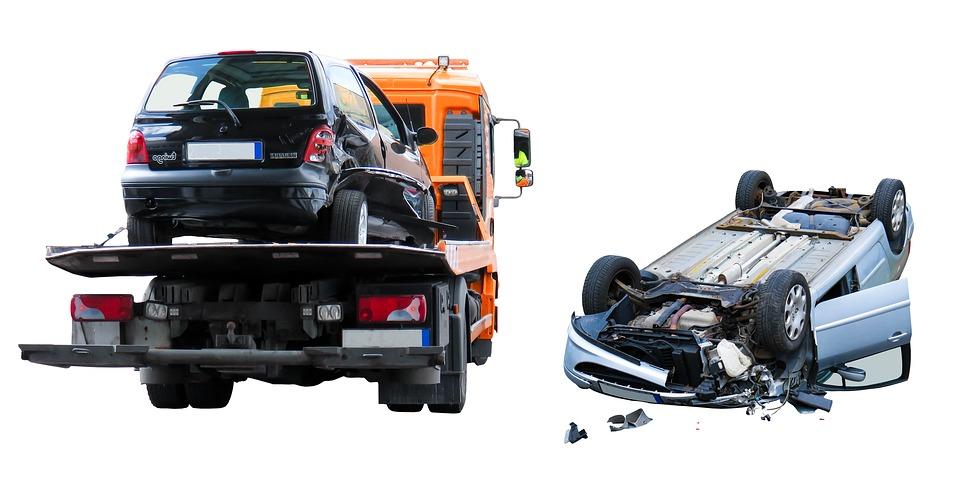アクセルとブレーキの踏み間違いの事故多発!同乗者に出来ることはないのか?