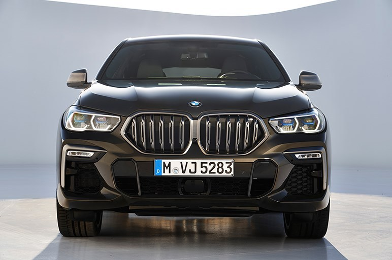 BMWの新型「X6」の外装と内装、エンジンスペックを調べてみた件!