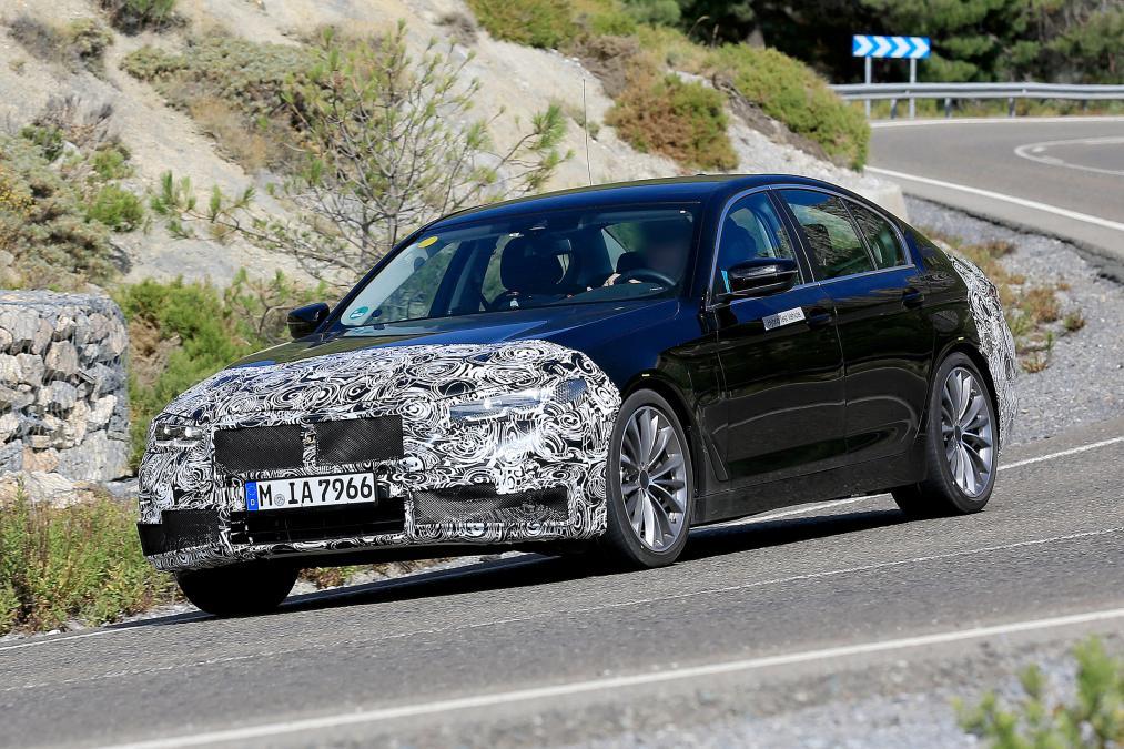 BMW「5シリーズ」の改良新型の画像が流出!2020年に発売予定!