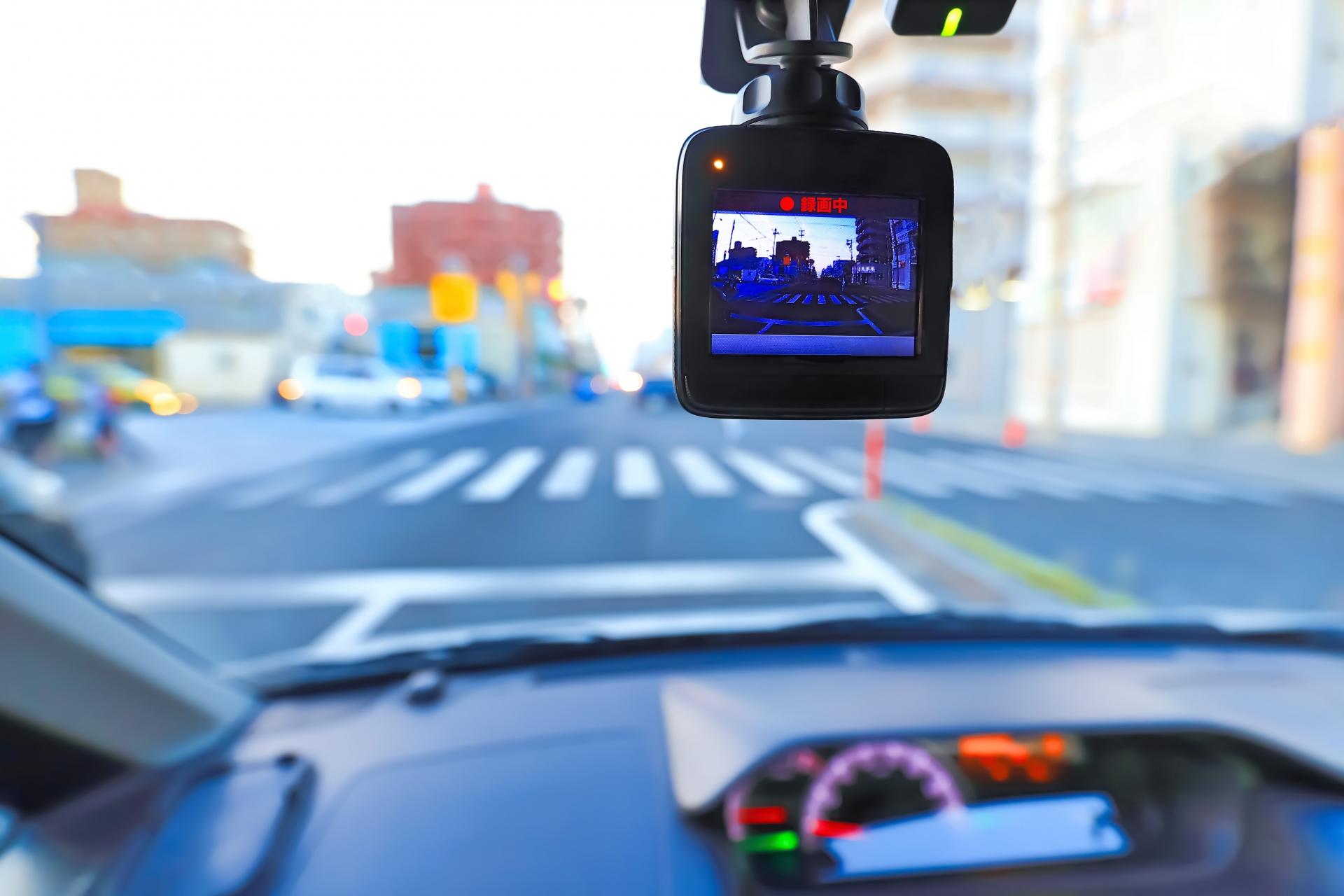 車の営業マンがおすすめする失敗しないドライブレコーダーの選び方7選!