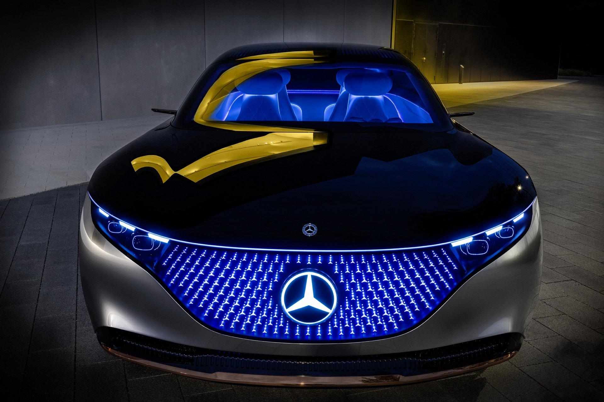 メルセデスベンツの最新電気自動車「ヴィジョンEQS」の光り輝くド派手なデザインが斬新すぎる!
